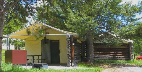 Rental tent cabins at colter bay village in grand teton for Teton cabin rentals
